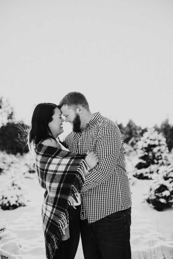 Elizabeth and Chris' Snowy Engagement Session